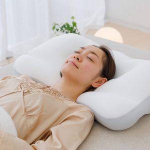 หมอนเพื่อสุขภาพ Super king pillow โค้งรับกับเเนวไหล่พอดี รองรับการนอนหงายและตะแคงข้าง