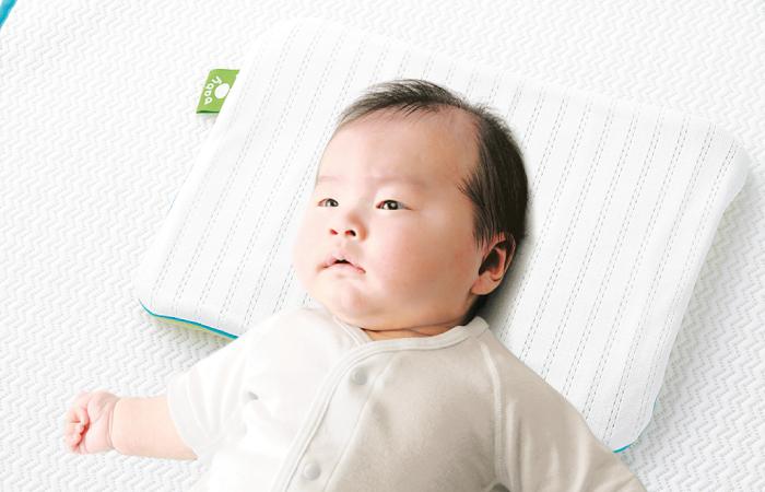 เด็กทารกนอนบนหมอน Salaf baby pillow ช่วยดูดซับเหงื่อและกระจายออกรวดเร็ว ลดผดผื่นแดง