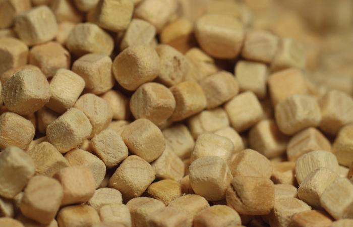 ไส้หมอนไม้หอมฮิโนกิ ตัดขอบไม้ให้มน ช่วยนวดและบรรเทาอาการปวดต้นคอ