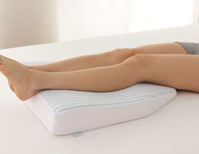 หมอนรองขา Salaf legs pillow คลายอาการปวดเมื่อย ให้สัมผัสเย็น
