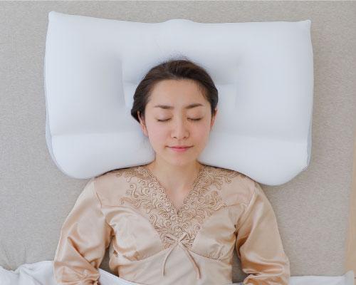 ผู้หญิงนอนหมอน Super king pillow นอนหงาย