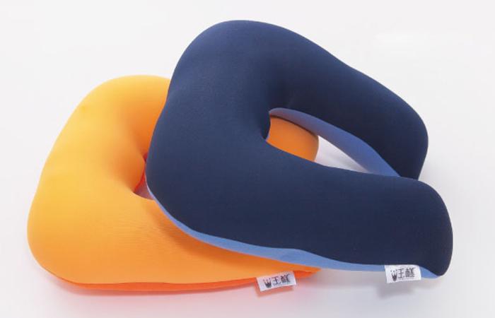หมอนรองคอ King neck pillow สีน้ำเงินและสีส้ม